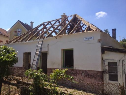 Ház tető nélkül, Kép: Fundamenta