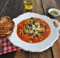leves, minestrone, paradicsom, paradicsomlé, parmezán, zöldség