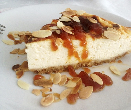 Sajttorta almakaramellel, Kép: receptguru.cafeblog.hu