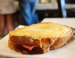 besamel, francia, melegszendvics, sajt, sonka