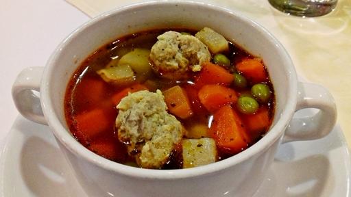Karalábé leves húsgombóccal, Kép: Kandikó Éva