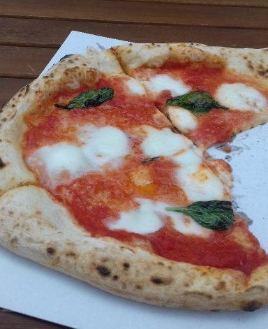 Nápolyi pizza, Kép: Kandikó Éva