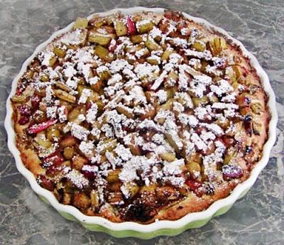 Rebarbarás pite, Kép: ahogyeszikugypuffad.blogspot.com