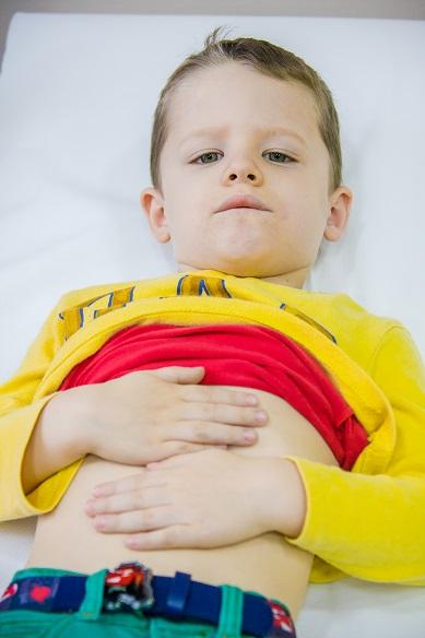 Hasfájós gyerek, Kép: sajtóanyag