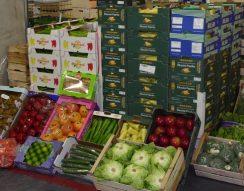 adománykonvoj, Budapesti Nagybani Piac, élelmiszer, Élelmiszerbank, gyümölcs, rászorulók, zöldség