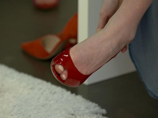 Piros cipő, Kép: Premier Outlet