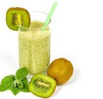 energiabomba, kiwi, smoothie, spenót, uborka