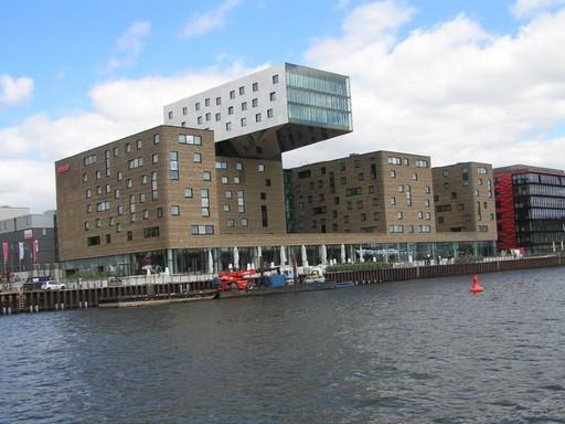 Új szálloda Berlinben, Kép: László Márta