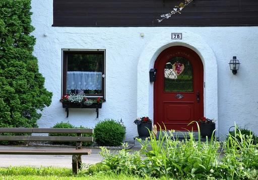 Bejárati ajtó, Kép: pixabay