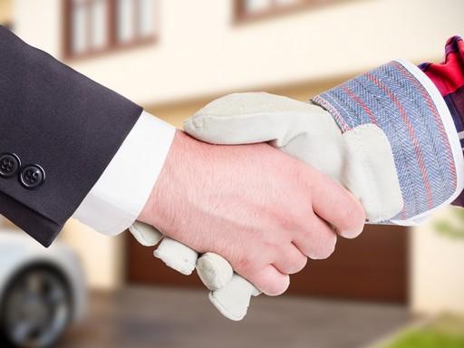 Kézfogás a mesterrel, Kép: újHÁZ Centrum