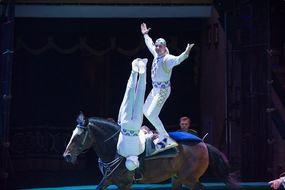 Minszki lovas akrobaták, Kép: fnc.hu