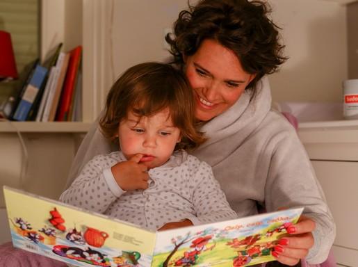 Anya mesét mond a gyereknek, Kép: Sudocrem