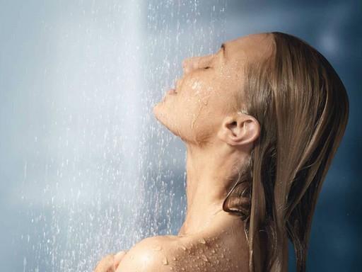 Forró zuhany, Kép: Barnangen