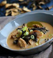 gomba, hagmya, halszósz, kókusztej, koriander, leves, pulykamell, zöldcitromlé