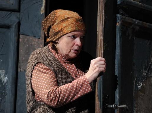 Kubik Anna Az ajtóban, Kép: Máthé Gábor