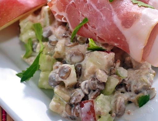 Lencsesaláta almával, zellerrel, Kép: orultenjoetelek.blogspot.hu