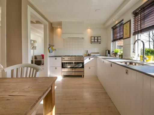 Modern fehér konyha, Kép: pexels