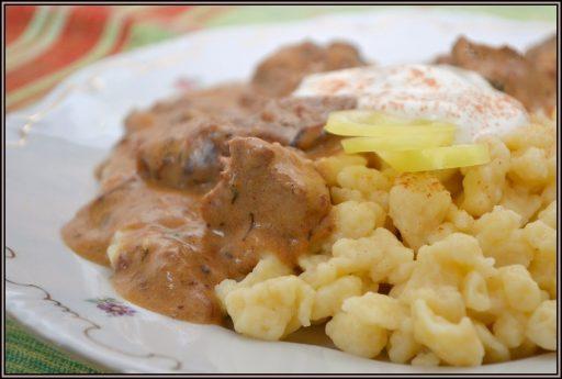 Tejfölös, paprikás szarvas ragu, Kép: orultenjoetelek.blogspot.hu