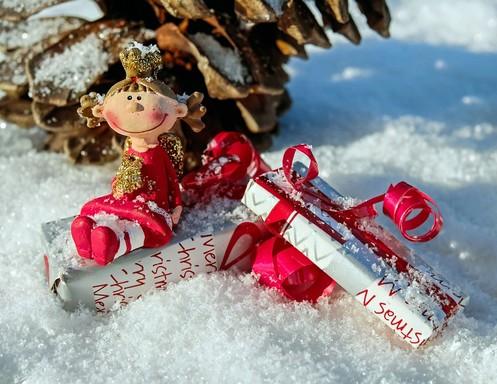 Karácsonyi angyal kis üzenettel, Kép: pixabay