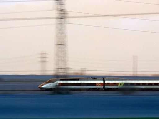 Modern csodák, gyorvonat, Kép: DoQ