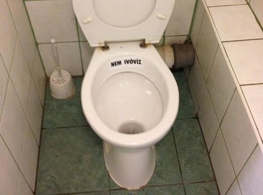 Nem ivóvíz, Kép: László Márta