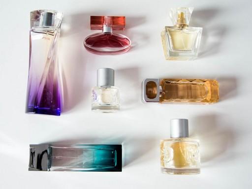 Parfümök, Kép: pixnio