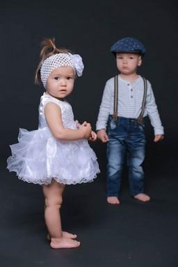 Gyerekmodellek, álló, Kép: Paprika Christian