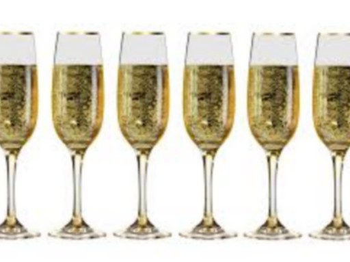 Pezsgőspoharak pezsgővel, Kép: pixabay