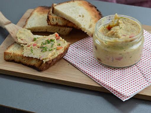 Kapros-füstölthalas szendvicskrém, Kép: Max konyhája