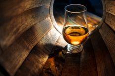 jégkocka, Skócia, szeszfőzés, The Famous Grouse, tölgyfahordó, whiskey, whisky