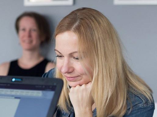Zsirai Viktória és Bognár Anna az olvasópróbán, Kép: Borovi Dániel
