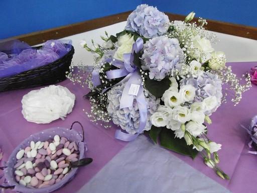 Lilás esküvői asztaldísz, Kép: pixabay