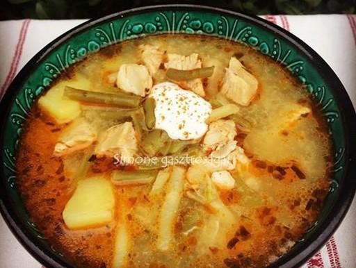 Tárkonyos csirkeragu leves, Kép: gasztrosagok.cafeblog.hu