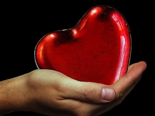 Szív a kézben, Kép: pixabay