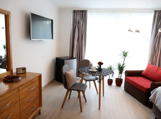 Apartman, Kép sajtóanyag