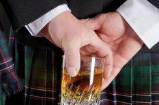 illemtan, káromkodás, nagy-britannia, scotch, szokás, telefon, úriember