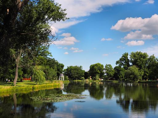 Karolyi-kastely, park, Kép: stihl