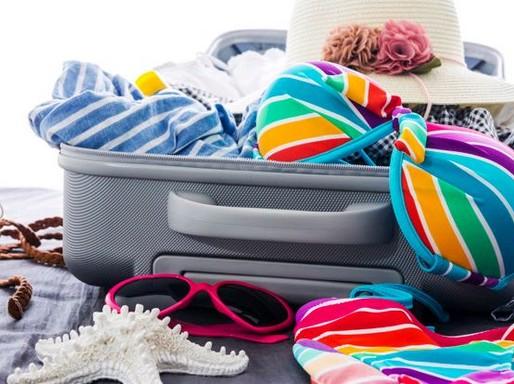 Bőrönd nyári cuccokkal, Kép: Premier Outlet