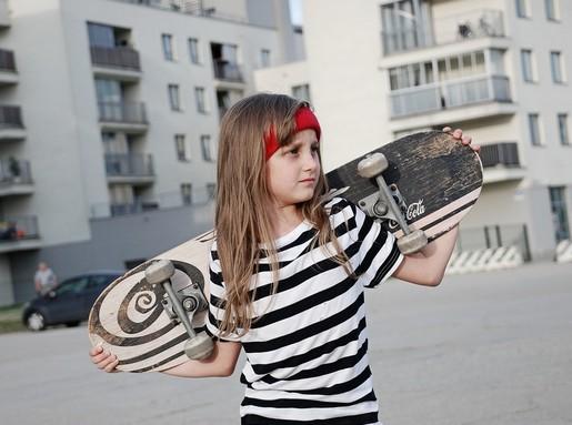 Gördeszkás lány, Kép: pixabay