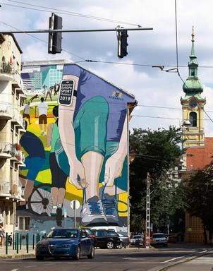 Sportolásra buzdító falfestmény Budapesten, Kép: Egry Tamás
