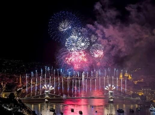 Tűzijáték Budapesten, Kép: MTI, Lakatos Péter