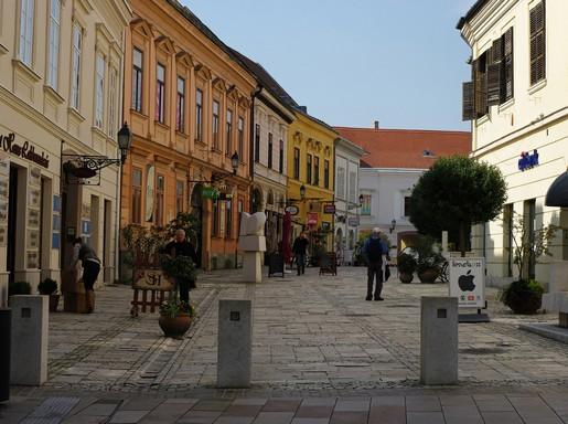 Pécs, sétálutca, Kép: flickr