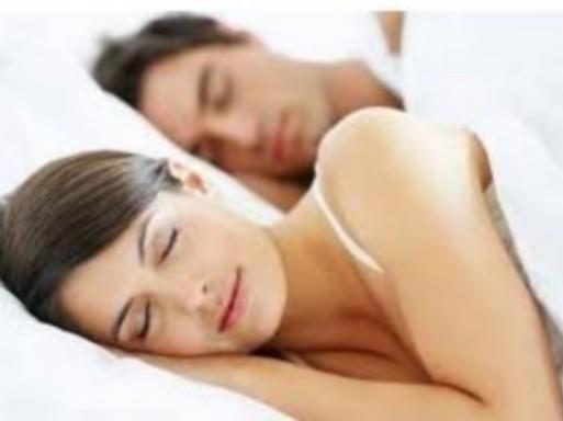 Alvó pár, Kép: Hotel Carbona