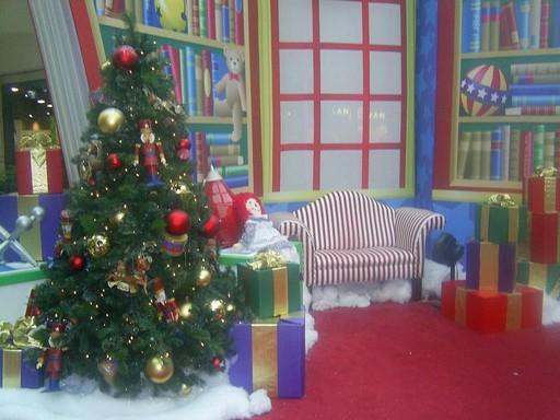 Karácsonyfa a szobában, Kép: wikimedia