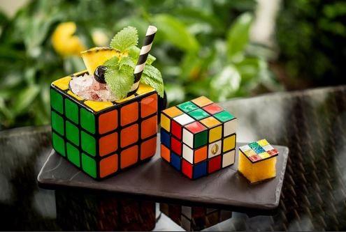Rubik-kocka koktél, Kép: intercontinental