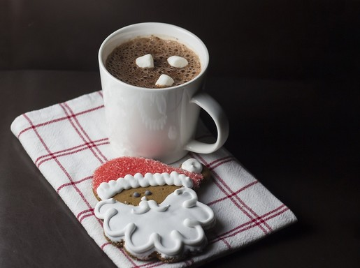 Télapós süti és forró csoki, Kép: pixabay