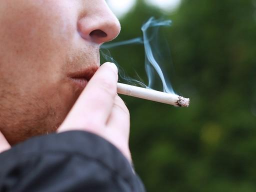Dohányzó férfi, Kép: pixabay