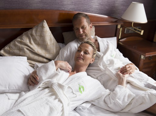 Wellness, pihenés az ágyban, Kép: Carbona