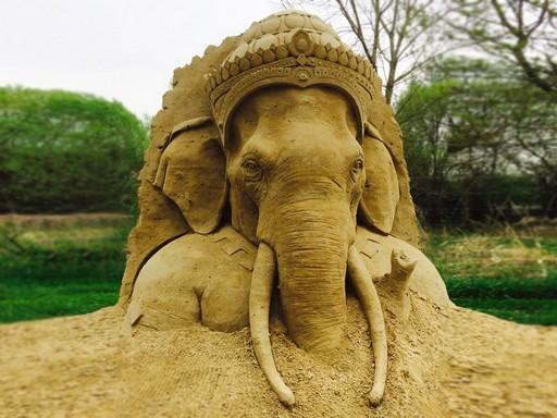 Elefánt budha homokból, Kép: Monostori