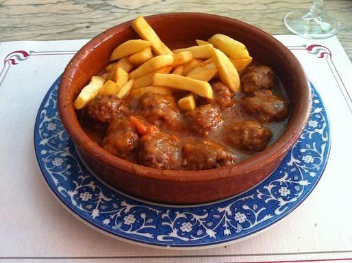 Fűszeres spanyol húsgombócok, Kép: wikimedia